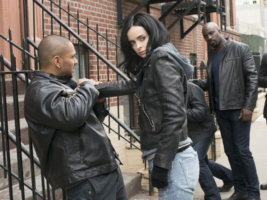 sfpl-236-jessica-jones-marvel-netflix-luke-cage